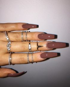 Elegant Nude Coffin Nails Design For Long Nails That Anyone Can Pull Off – nageldesign. Nagel Hacks, Aycrlic Nails, Glitter Nails, Fall Acrylic Nails, Coffin Nails Long, Long Gel Nails, Fire Nails, Nail Swag, Dream Nails