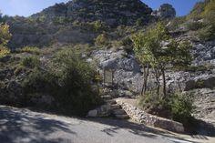 Canal du Verdon et Chapelle Sainte-Maxime - par Provence-Guide.net Week End En Amoureux, Chapelle, Sidewalk, Nature, Sport, Ruins, France, House, Naturaleza