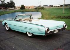 1961 thunderbird | 1961 FORD THUNDERBIRD Lot 683 | Barrett-Jackson Auction Company