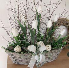 Bílé tulipány.... / Zboží prodejce salvia   Fler.cz Easter Flower Arrangements, Easter Flowers, Plants, Center Table, Spring, Flowers, Plant, Planets