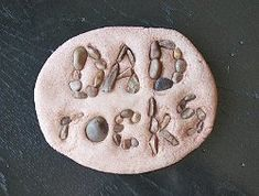 Dad Rocks Salt Dough Paperweight: DIY Father's Day Craft - Crafts by Amanda Diy Father's Day Gifts, Father's Day Diy, Craft Gifts, Gifts For Dad, Handmade Father's Day Gifts, Kids Fathers Day Crafts, Easy Crafts For Kids, Fathers Day Gifts, Kids Diy