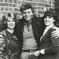 Martin Kove with Sharon Gless and Tyne Daly Old Tv Shows, Movies And Tv Shows, Tyne Daly, Cagney And Lacey, Sharon Gless, Fact Families, Light In The Dark, My Eyes, Movie Stars