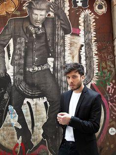"Blas Cantó: ""Poner letra al himno de España me parece valiente""- RevistaDiezminu Night, My Love, Singers, Painting, Fictional Characters, Musica, Artists, Display, Singer"