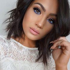 Blue eyeliner - beautiful dramatic makeup idea