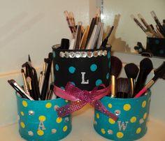ClassAKAly Chic: DIY Makeup Brush Storage
