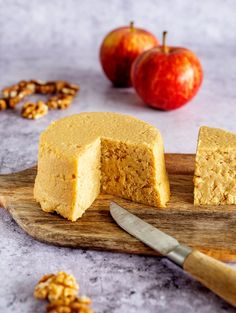 Vegan Millet Cheese • Green Evi Raw Vegan, Vegan Vegetarian, Quinoa Burgers, Creamy Mash, Vegan Cheese, Caramelized Onions, Tray Bakes, Vegan Recipes, Vegan Foods