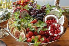 Frutas frescas,montadas de forma impecável pelaDuas Gastronomia, deramboas vindas aos convidados do brunch de batizado do nosso sobrinho.