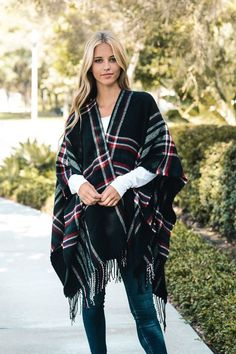 I love the poncho! so cute and goes with everything! #etsy #poncho #ad