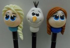 Polymer Clay Pens, Polymer Clay Animals, Frozen Party, Frozen Birthday Party, Pen Toppers, Frozen Dolls, Diy And Crafts, Crafts For Kids, Pasta Flexible