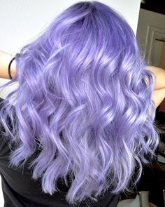 59 Lovely Lavender Hair Color Shades & Dye Tips - Glowsly - winter hair color Hair Color Shades, Hair Color Purple, Hair Dye Colors, Cool Hair Color, Blue Hair, Pastel Purple Hair, Light Purple Hair Dye, Wavy Hair, Colorful Hair