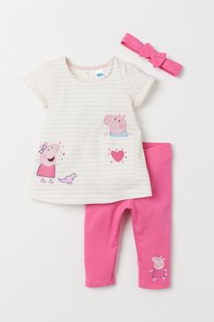 Set in soft cotton jersey. Dress with a printed design at front concealed snap fastener on one shoulder and short sleeves. Leggings with elasticized waistband. Elasticized hairband with attached bow. Peppa Pig Outfit, Kids Outfits Girls, Toddler Outfits, Girl Outfits, Baby Girl Fashion, Kids Fashion, Leggings, Little Mermaid Baby, Baby Outfits