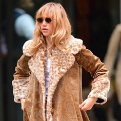 Suki Waterhouse, Fashion 2020, Fashion Trends, Street Style, Look Cool, Aesthetic Clothes, Passion For Fashion, Cool Outfits, Winter Outfits