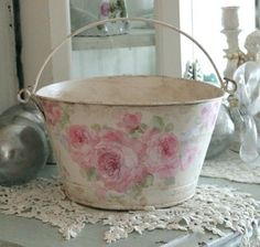 Rustic Shabby Chic, Vintage Shabby Chic, Vintage Roses, Tole Painting, Diy Painting, Decoupage Vintage, Decoupage Ideas, Shabby Chic Interiors, Romantic Cottage