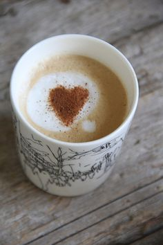 finally, a cup of coffee that loves back! Coffee Talk, I Love Coffee, Coffee Break, My Coffee, Coffee Shop, Coffee Cups, Happy Friday, Café Chocolate, Vanilla Milk