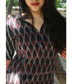 Kurti made in handwoven ikat fabric from Andhra. cotton, easy and classy. Salwar Kameez Neck Designs, Kurta Designs, Blouse Designs, Indian Attire, Indian Wear, Churidar, Anarkali, Saree, Ethnic Kurti