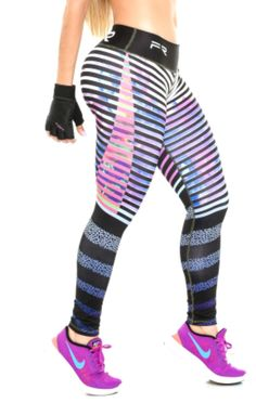 These beautiful printed compression leggings that are sure to become your go-to workout pants. The luxe fabric moves & stretches with you while the think fl Easy Ab Workout, Workout Wear, Workout Pants, Best Leggings, Tops For Leggings, Women's Leggings, Workout Clothes Cheap, Workout Clothing, Athletic Outfits