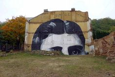 POMOC / HELP (Praghe / Czech Republic) by escif on Flickr.A través de Flickr:  more on ww.streetagainst.com