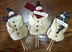 Vintage Prim clothespin style Snowman by SunshineAnniedesigns, $8.50