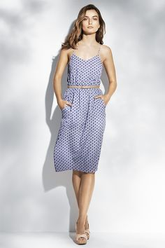 Knee-length dress in woven fabric with a slight sheen. H&M. #HMPASTELS