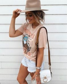 30 Breathtaking Summer Outfits You Will Love 2019 brown t-shirt The post 30 Breathtaking Summer Outfits You Will Love 2019 appeared first on Outfit Diy. Cute Summer Outfits, Spring Outfits, Trendy Outfits, Beach Outfits, Mode Outfits, Fashion Outfits, Fashion Tips, Fashion Quotes, Band Tee Outfits