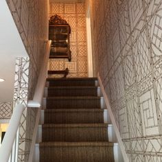 Bungalow Blue Interiors - Home - insta inspiration: tom samet Quadrille Lyford trellis wallpaper foyer stairway hallway Foyer Staircase, Entry Stairs, Entry Hall, Dining Room Wallpaper, Home Wallpaper, Palm Beach Decor, Stairs To Heaven, Paper Wall Decor, Bamboo Trellis