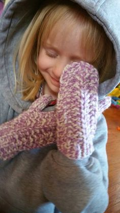 Check out this item in my Etsy shop https://www.etsy.com/listing/496567837/snow-violet-knit-winter-mittens