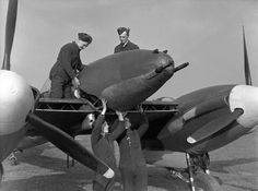 Photos of the World War 2 British twin engined fighter the Westland Whirlwind. Prototype, RAF in service and company development photos Ww2 Aircraft, Military Aircraft, Raf Bases, Westland Whirlwind, Supermarine Spitfire, Ww2 Planes, Women In History, Ancient History, Fighter Pilot