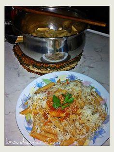 Πέννες ολικής με σάλτσα τριμμένου καρότου και ντομάτας Japchae, Ethnic Recipes, Food, Meals, Yemek, Eten
