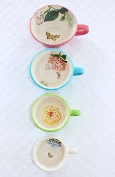 measuring cups ♥ I want this!! I have a few sets of measuring cups, but it's ok they come in handy.