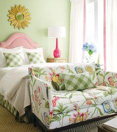 frühlingsdeko ideen schlafzimmer sofa grün