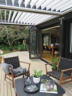 Locarno louvres were used in this opening roof in Auckland, NZ Pergola Attached To House, Deck With Pergola, Cheap Pergola, Patio Roof, Pergola Plans, Diy Pergola, Diy Patio, Black Pergola, Pergola Ideas