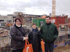 Fernando Jacobs is geinteresseerd in alles wat met Maankwartier te maken heeft. Hij kwam samen met zijn ouders een kijkje nemen (8 februari 2014)