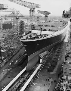 The Cunard ocean liner 'RMS Queen Elizabeth 2' enters the water at Clydebank in Scotland 20th September 1967 She was christened and launched by Queen...