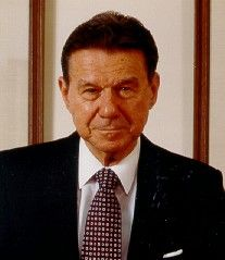 Armand Feigenbaum is credited with being the creator of Total Quality Management. Management Books, Lessons Learned, Success, Theory, Fig Tree