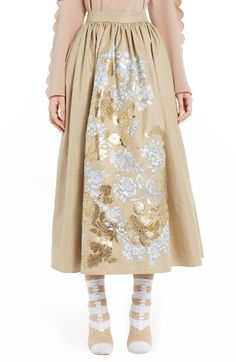 Free shipping and returns on Fendi Floral Stencil Cotton Canvas Ball Skirt at Nordstrom.com. Pre-order this style from the Spring 2017 collection! Limited quantities. Ships as soon as available. You'll be charged only when your item ships.Befitting a modern Rococo muse, this voluminous ball skirt revisits the lavish grandeur of a bygone era with its metallic floral embellishments. Gathers release from the fitted waistband to create added fullness, flare and movement.