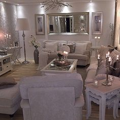 Cozy Living Room Ideas for Small Apartment - The Urban Interior Cozy Living Rooms, Home Living Room, Living Room Designs, Living Room Decor, Silver Living Room, Decoration Chic, Sweet Home, Living Room Inspiration, Family Room
