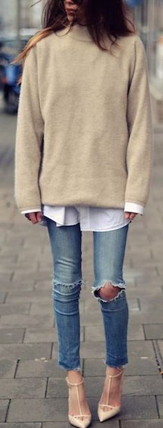 Distressed skinnies + pointed heels.