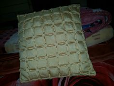 Smocking cushion