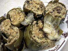 Sicilian style stuffed artichokes.  'Lo stile siciliano riempì carciofi'