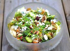 Hämmentäjä: Hearty pumpkin quinoa salad with blue cheese. Ruokaisa kurpitsa-kvinoasalaatti sinihomejuustolla