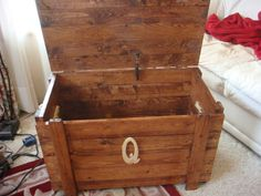 Wooden Toy Box extra tall / Blanket Chest with by OakNacorn