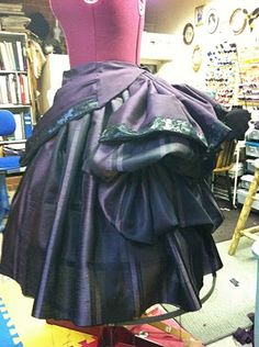 Beautiful short french bustle skirt