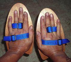 BODYSURFER HANDBOARDS/SWIMMER PADDLES ONE PAIR R&L HAND