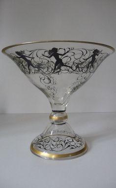 Große Klarglasschale in Pokalform, mit Schwarzlot-Malerei HAIDA, Fachschule Steinschönau Um 1920 Art Deco, - Makellos -Tanzender weiblicher Reigen, umlaufendes Decor. -Hoch.:19 cm,Durchmesser.:21 cm