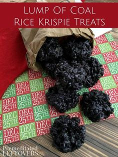This Lump of Coal Rice Krispie Treats Recipe is fun to make and receive around C. - This Lump of Coal Rice Krispie Treats Recipe is fun to make and receive around Christmas! Oreos and - Christmas Coal, Christmas Food Gifts, Christmas Cooking, Homemade Christmas, Christmas Desserts, Holiday Treats, Christmas Recipes, Christmas Parties, Christmas Ideas