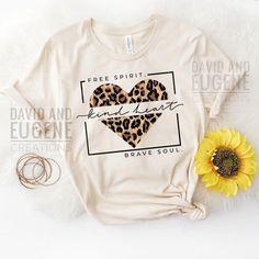 Cute Tshirts, Mom Shirts, Shirts For Girls, Cool T Shirts, Funny Shirts, Bella Shirts, Tees For Women, Cute Shirt Designs, Hippie Costume