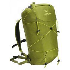 23a7d9e4457f6 Ekstremalnie lekki plecak zaprojektowany z myślą o szybkich alpejskich  wspinaczkach i wspinaczce zimowej. Super Lekkie
