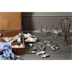 Andrew Wyeth paints and brushes.