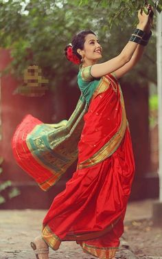 Marathi Saree, Anatomy Sculpture, Nauvari Saree, Saree Photoshoot, Indian Beauty, Sarees, Snow White, Disney Princess, Lady