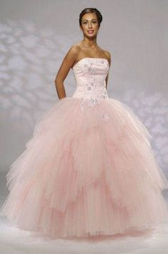 92f49b92347 This looks like it would be a wedding gown for Princess Peach. And it s sooo